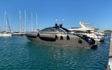out yacht(1)